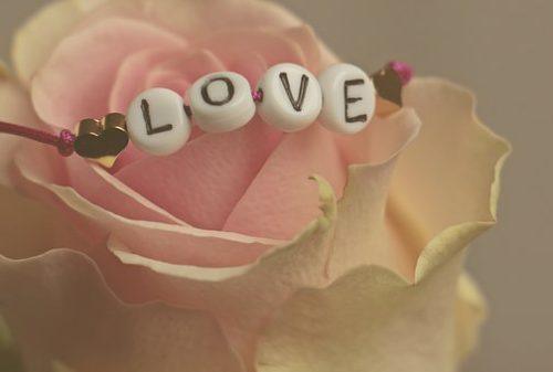love-3388626__340